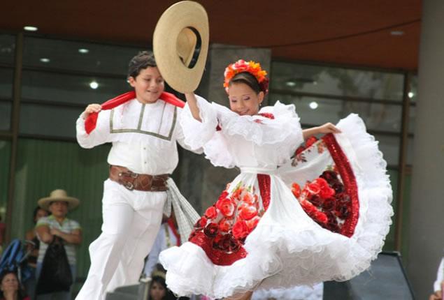 Bailes y Trajes por Región - Folclor y Tradiciones - Colombia Info ...