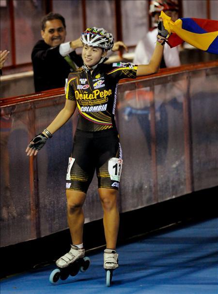 La colombiana, Paola Serrano celebra el oro en los 1.500 metros