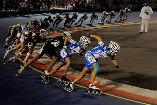 Un grupo de patinadoras en la final de la pureba de 1500 metros