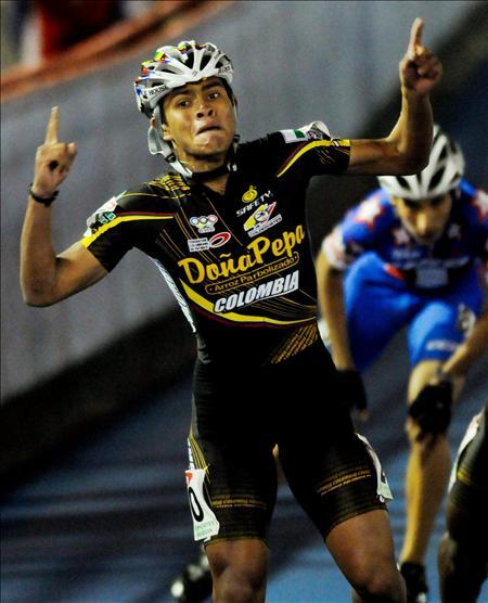 Nicol�s Bermudez oro en los 500 metros junior