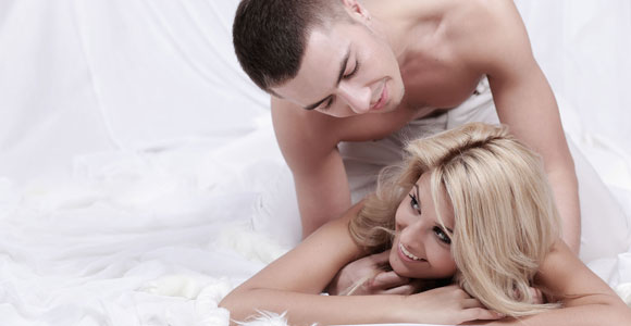 Posturas para practicar sexo anal : Foto - enfemenino